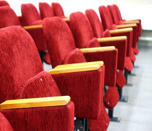 Через коронавірус в Польщі закрили найбільші кінотеатри