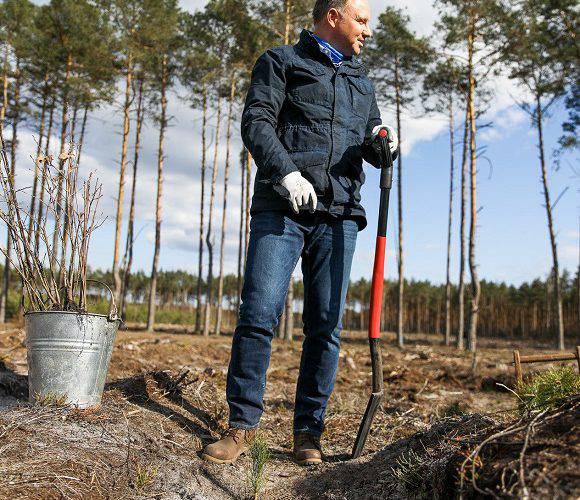 Анджей Дуда заохочує людей садити дерева і прибирати ліси [+ВІДЕО]