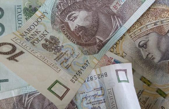 Столиця Польщі інформує про значне скорочення впливів з податків майже наполовину