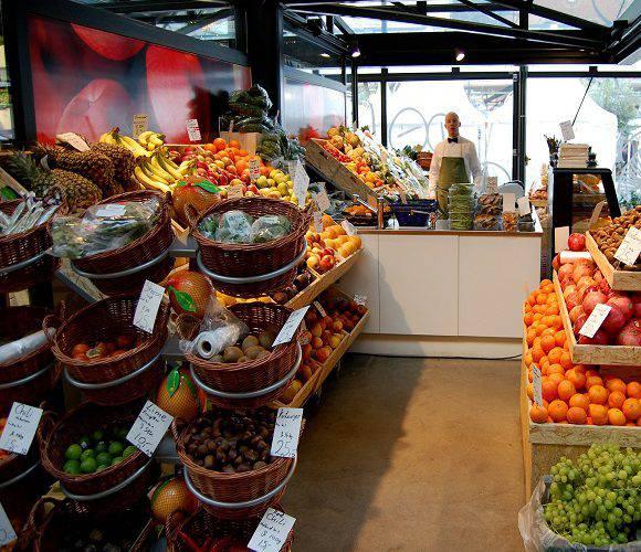 Як працюватимуть магазини в Польщі після Великодніх свят?