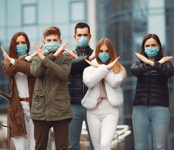 В Польщі збираються пом'якшити обов'язок носіння масок