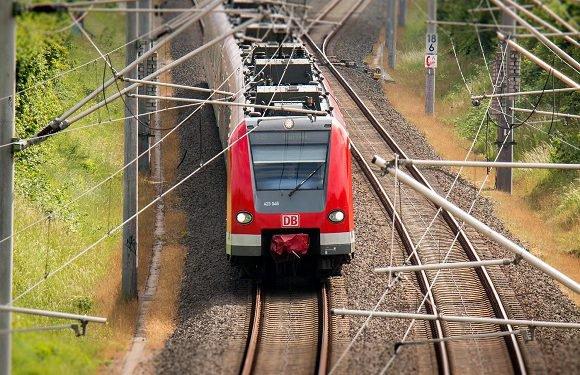 З 22 травня Україна відновлює міжнародне залізничне і автомобільне сполучення