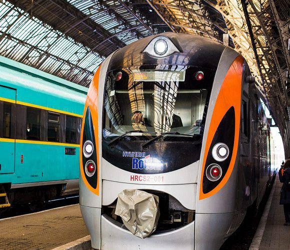 Через неадекватного пасажира, який викрикував, що хворий на коронавірус, спізнився потяг до Вроцлава