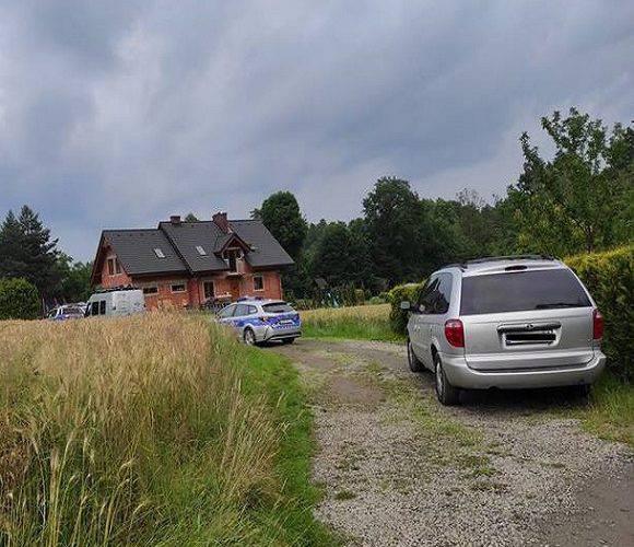 В Польщі жінка випадково наїхала на свою річну дитину: дівчинка померла на місці
