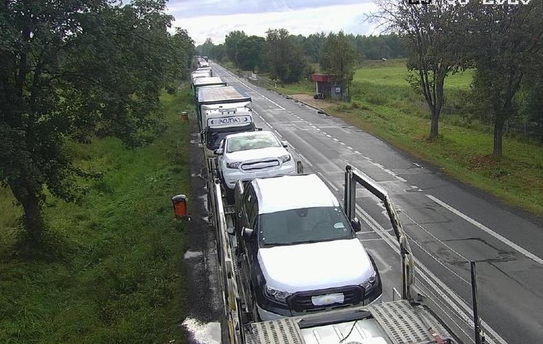 Черги вантажівок на кордоні з Україною