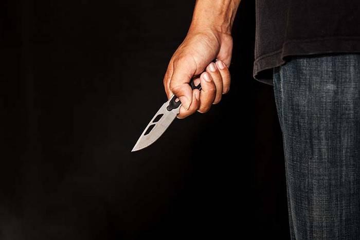 Вдарив ножем через дописи в інтернеті