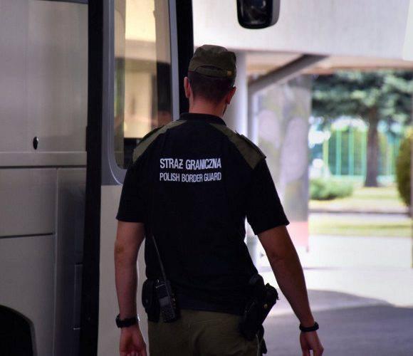 В Польщі депортували 8-ро українців, котрі працювали водіями автобусів