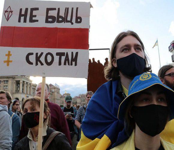 Президенти країн Балтії та Польщі вимагають від Лукашенка, щоб той припинив застосування сили