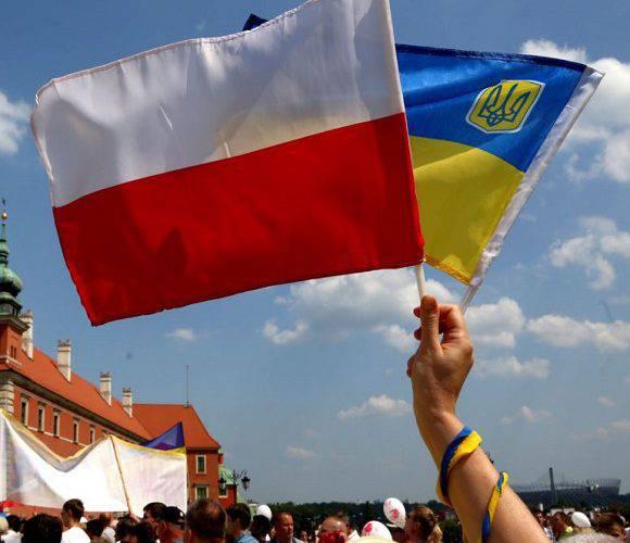 Поляки чекають на українців: затребувані працівники в меблевій та електронній промисловостях