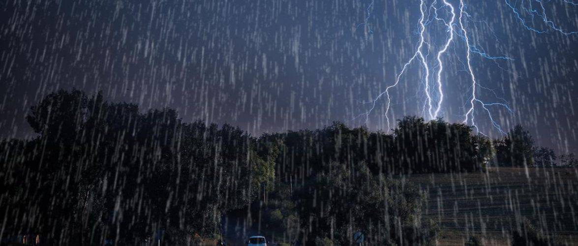 Екстремальна погода у неділю – грози, град, дощ