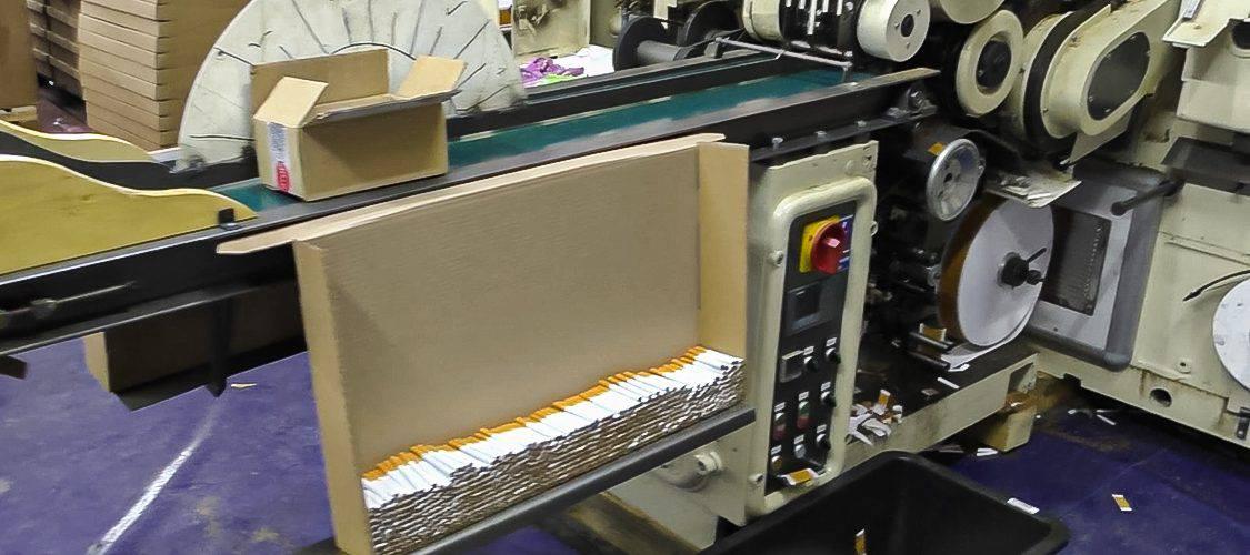 У Польщі затримали шість українців за незаконне виробництво сигарет. Виготовляли до мільйона за добу [+ФОТО, ВІДЕО]