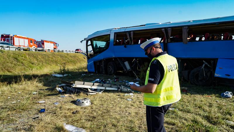 У Польщі перекинувся автобус з дітьми [+ФОТО]
