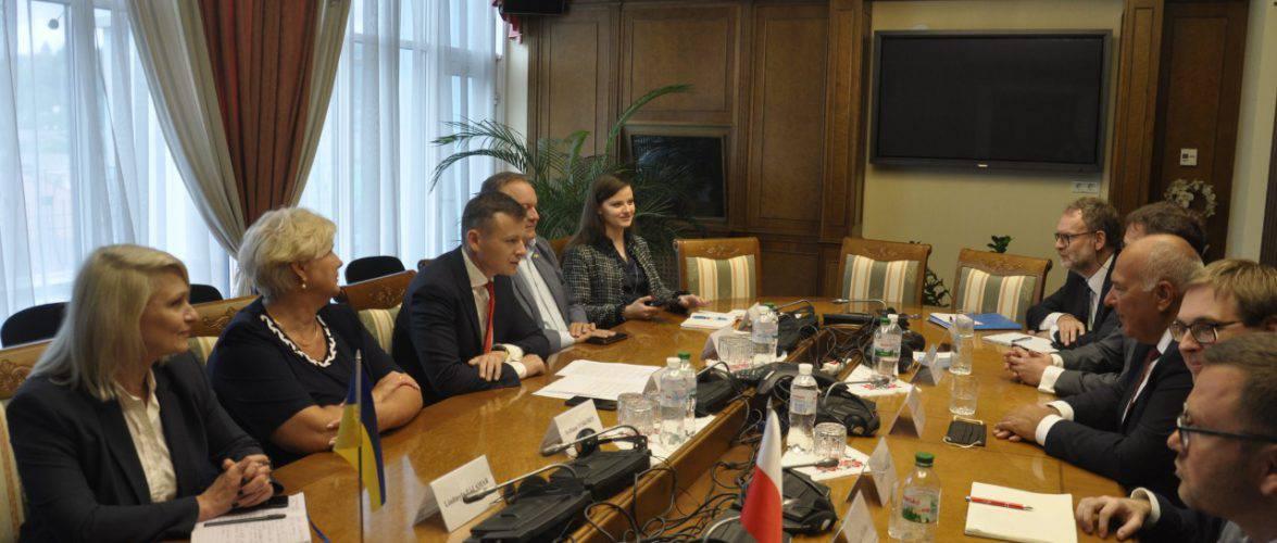 Україна та Польща обмінюватимуться інформацією у сфері оподаткування