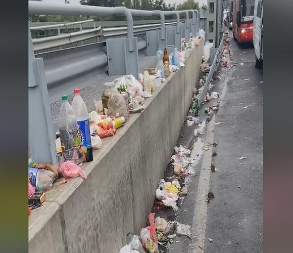 Люди перетворили кордон на смітник [+ШОКУЮЧЕ ВІДЕО]