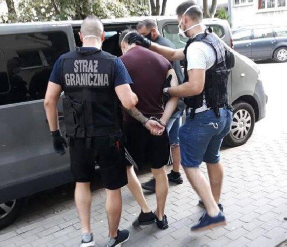 Українця в Польщі затримали за нелегальне перевезення людей