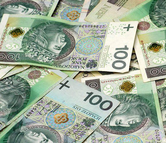 Яка мінімальна зарплата в Польщі буде в 2021 році? Вже є проект ухвали