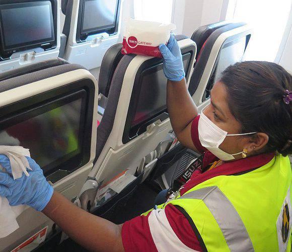 Хочеш сидіти в літаку поруч з чоловіком чи дружиною? Плати 12 євро!
