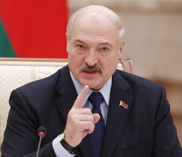 Лукашенко закриває кордон з Литвою та Польщею