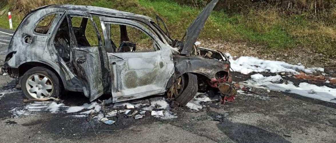 В Польщі дотла згоріло авто, в якому були українці: 5-ро осіб травмовано [+ФОТО]