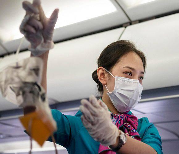 За те, що в літаку пасажир не одяг маску, загрожує 300 злотих штрафу