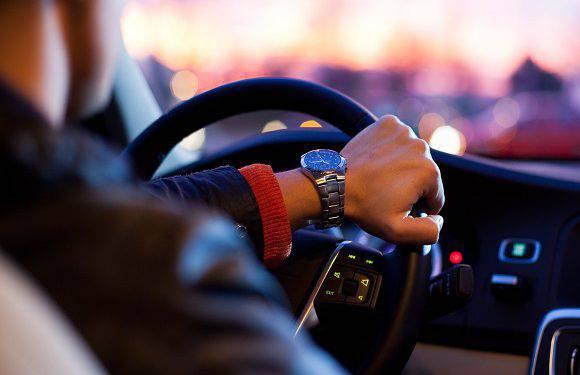 Стала відома дата, коли в Польщі можна буде їздити автівкою, не маючи при собі прав