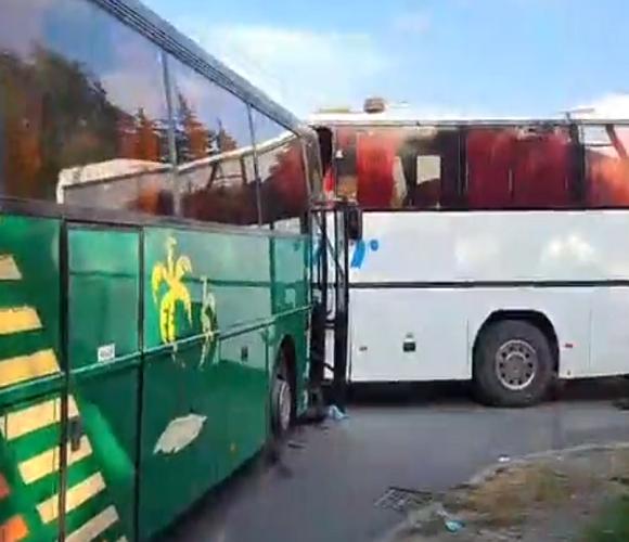 У Польщі зіткнулись два шкільні автобуси: поранені діти [+ВІДЕО]