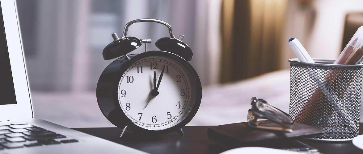 Коли цьогоріч в Польщі слід перевести годинники на зимовий час?