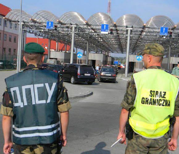 Сьогодні побільшали черги на україно-польському кордоні: 355 автівок