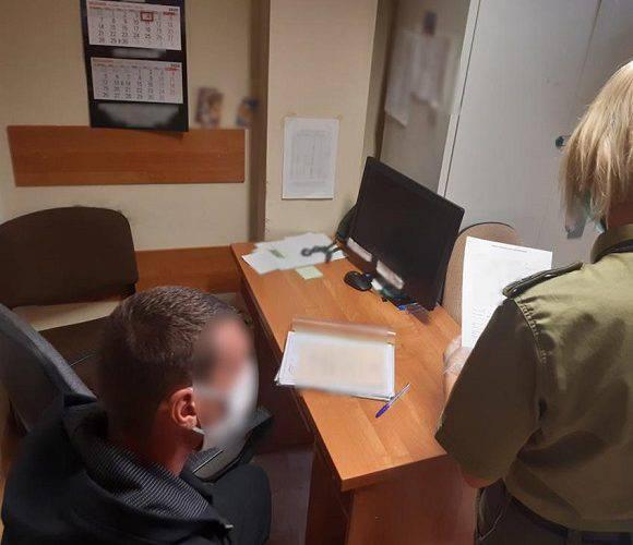 В Польщі на 3 роки депортували двох українців