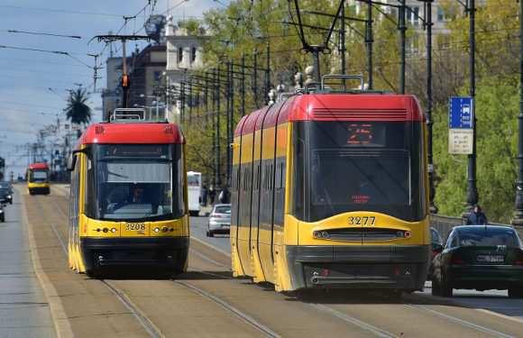 У Варшаві побили водія трамваю, бо вона вказала на відсутність масок