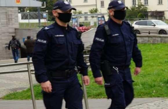За добу в Польщі поліція оштрафувала майже 4 тисячі осіб без маски