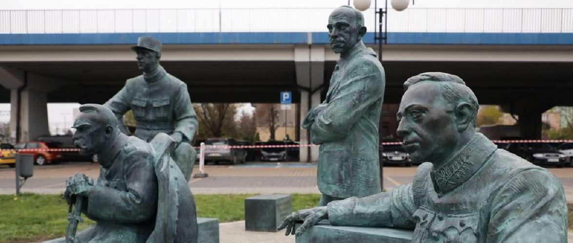 Петлюра серед героїв «Дива на Віслі» — у Польщі відкрили пам'ятник до століття Варшавської битви  [+ФОТО]