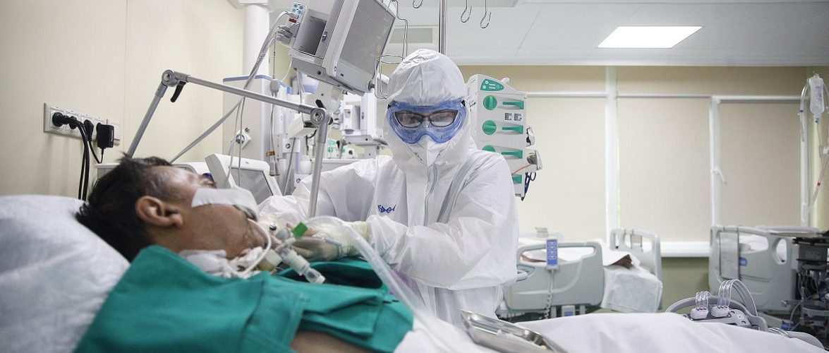 У Польщі пацієнт з COVID ледь не згорів, коли спробував викурити сигарету під киснем