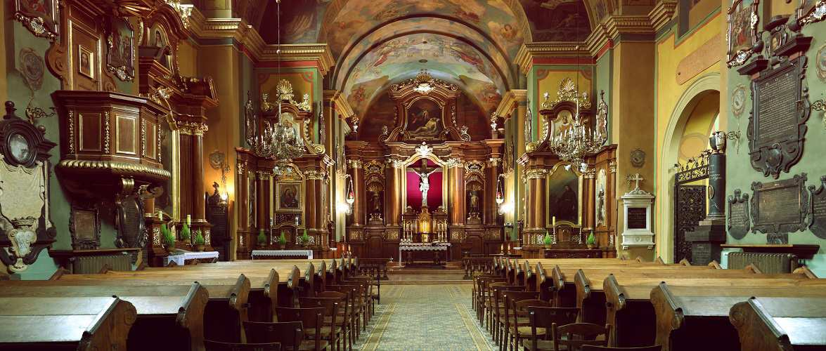 Чи можна буде зараз відвідувати костели та церкви в Польщі?