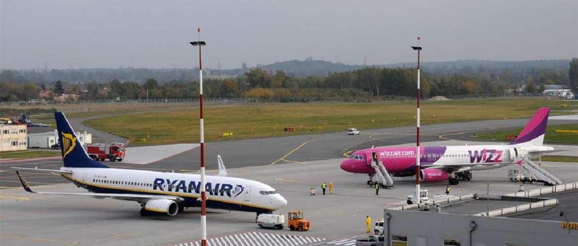 Wizz Air та Ryanair скасовують рейси, серед них — між Польщею та Україною