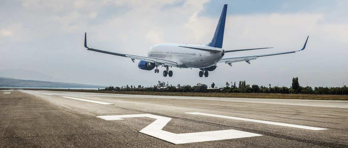 Польща хоче продовжити заборону польотів до 8 грудня
