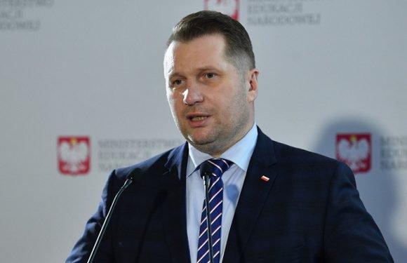 Міністр освіти Польщі розказав, коли учні повернуться до школи