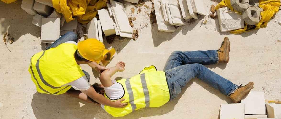 Українець впав з висоти на будівельному майданчику в Польщі