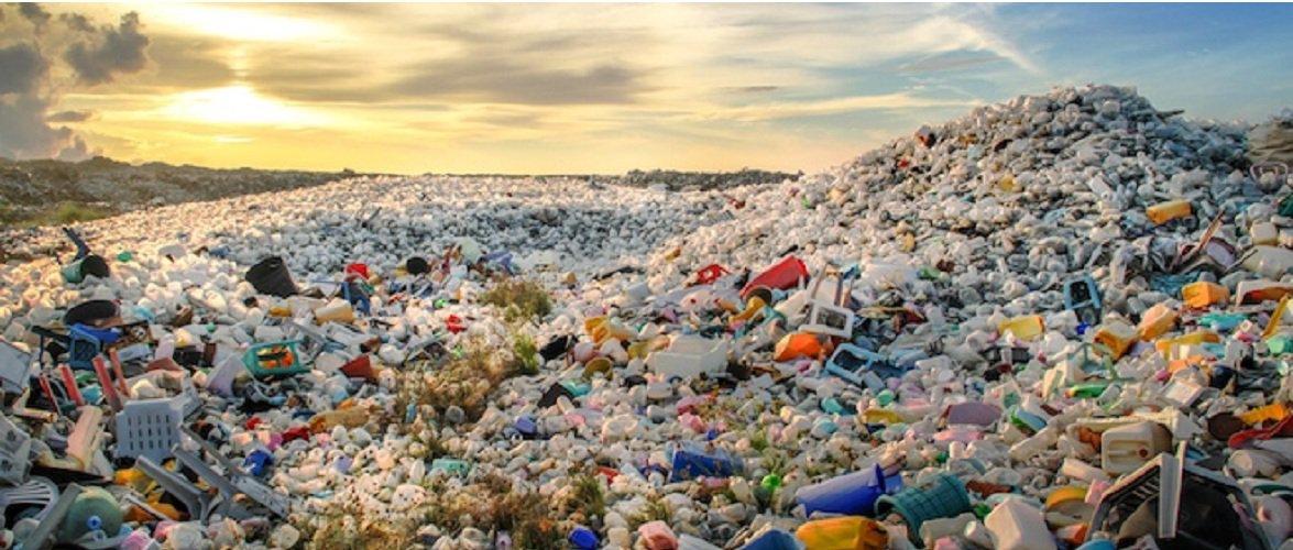 В ЄС заборонили одноразовий посуд і ввели податок на пластик — скільки заплатить Польща?