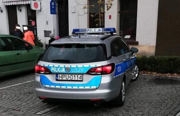 У Польщі звільнили поліцейських за те, що… спали на службі