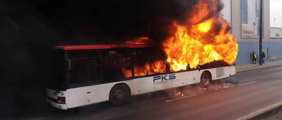 У Бидгощі під час руху загорівся автобус [+ФОТО]