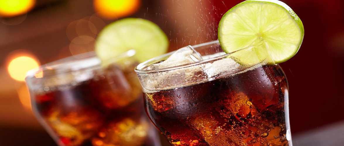 Через підвищення податку на цукор в Польщі суттєво зросли ціни на напої