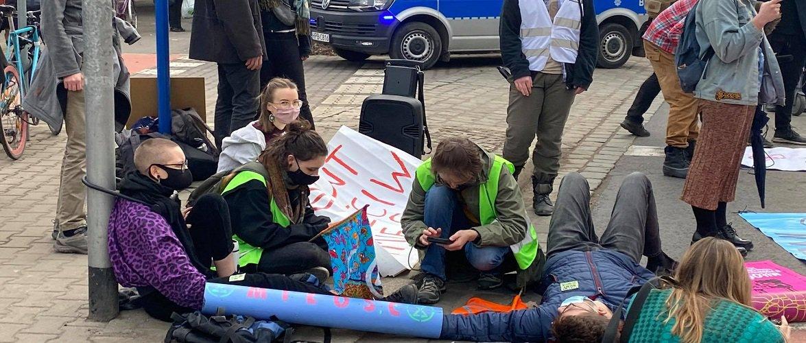 Сьогодні активісти-екологи заблокували вулиці Вроцлава [+ФОТО]