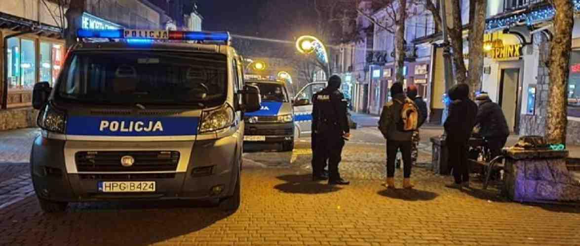 В січні у Закопаному поліція оштрафувала майже 700 туристів за відсутність маски