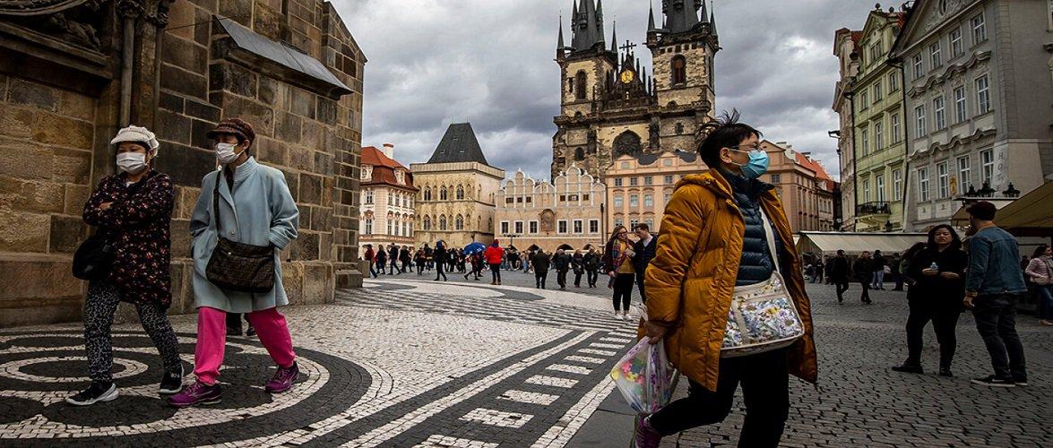 В Чехії знову загострюють карантинні обмеження: попереду — пекельні дні