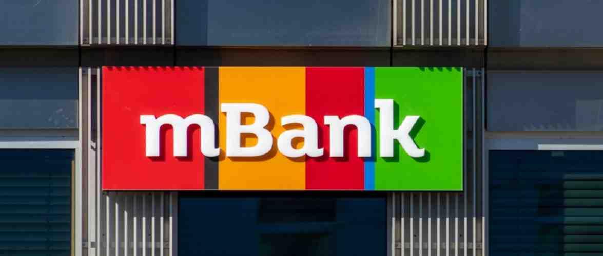 З рахунків клієнтів mBank зникли гроші: банк обіцяє їх повернути