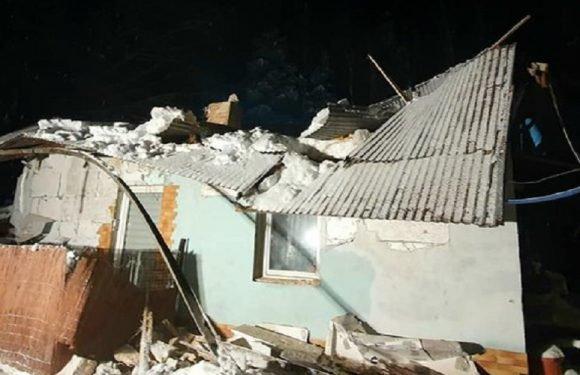 Через велику кількість снігу на Підкарпатті завалились дахи 3-х будинків