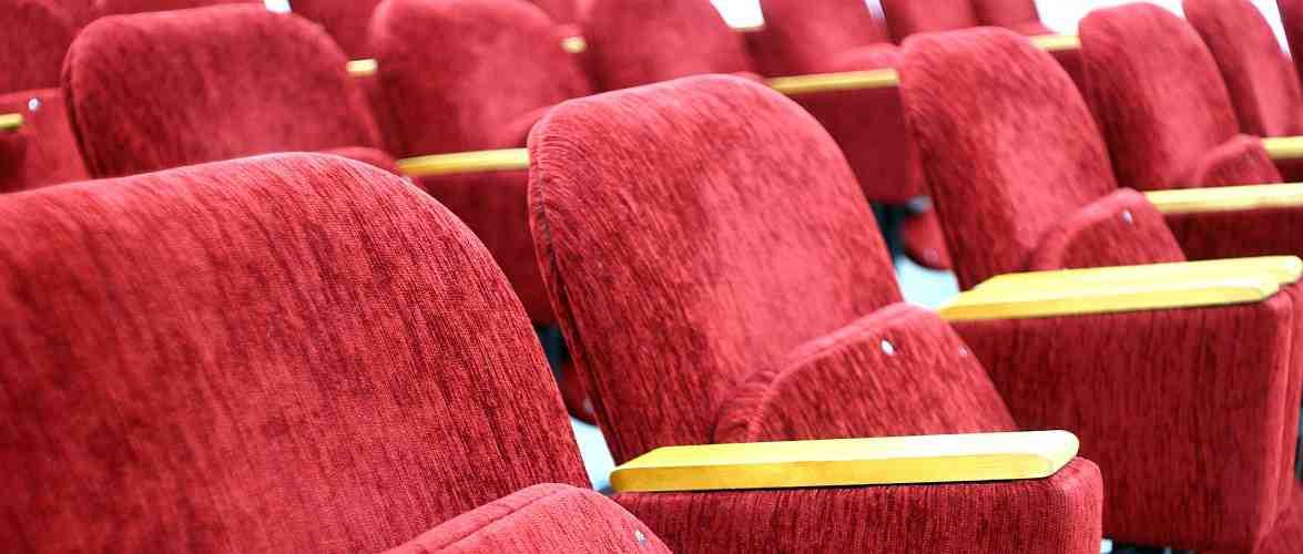 Уряд Польщі з 12 лютого дозволив працювати кінотеатрам, але лише на 2 тижні