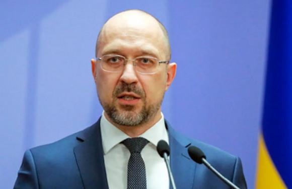 Шмигаль заявив, що українці мають отримати доступ до дешевих авіаційних перевезень
