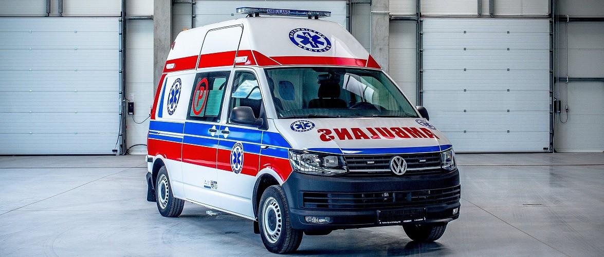 Передача машини швидкої допомоги в Україну викликала обурення у Польщі